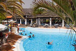 Playa y Puerto de Santiago - La Gomera