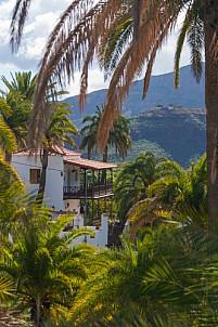 Rural house in palm oasis near Santa Lucía