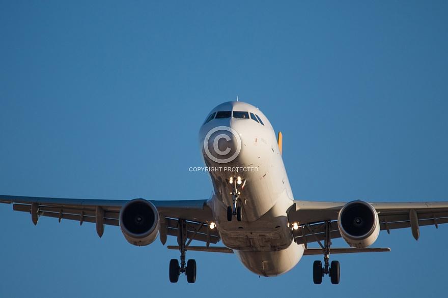 Airplane arriving at Gran Canaria Airport