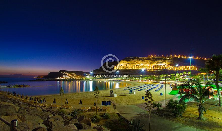 Playa Amadores after sunset