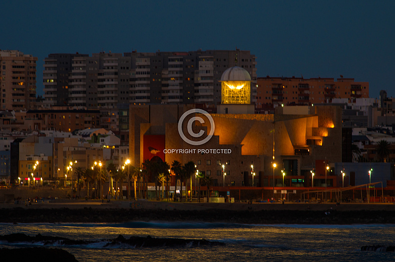 The skyline of Las Palmas in the evening