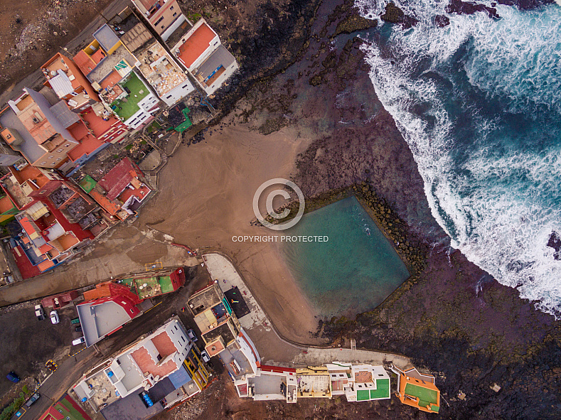 Dos Roques natural swimming pool Gran Canaria