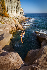 Diving of the rocks