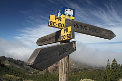 Signpost for hikers in Gran Canaria